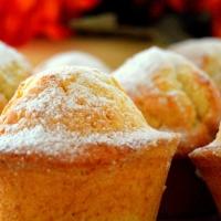 #29 four-egg yellow cupcakes